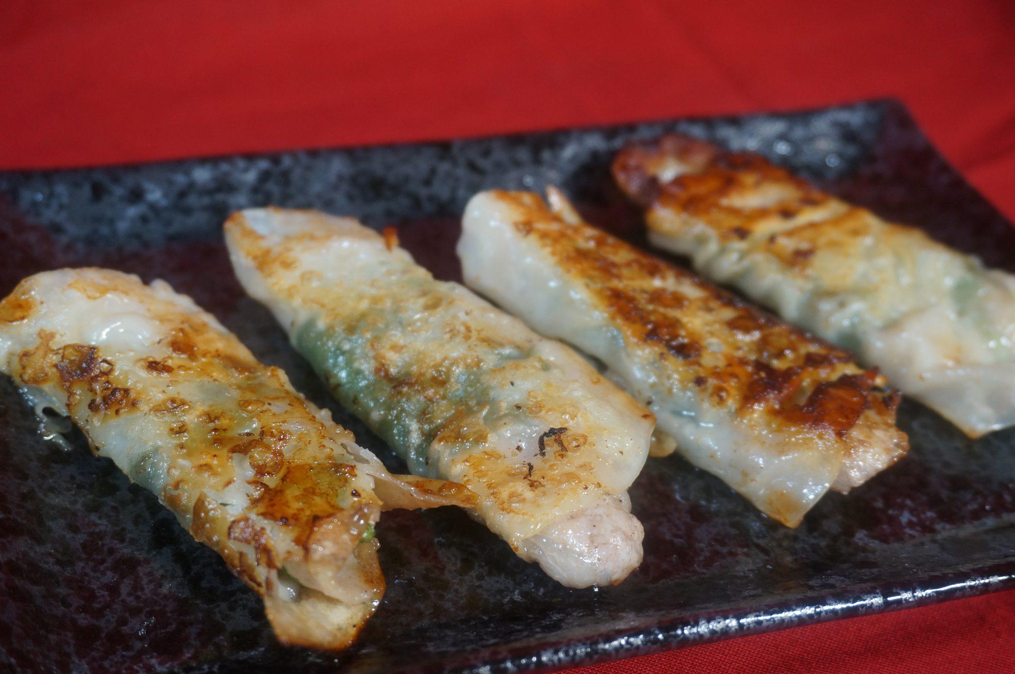 大葉と豚バラ肉のバズリ餃子♪♪